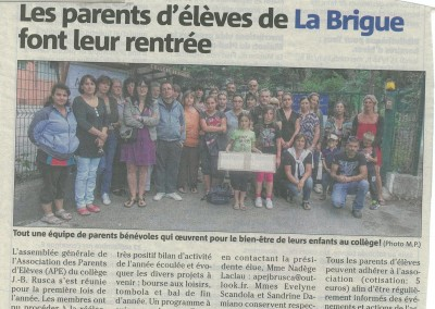 2015-09-25 Nice Matin Les parents d eleves de La Brigue font leur rentree